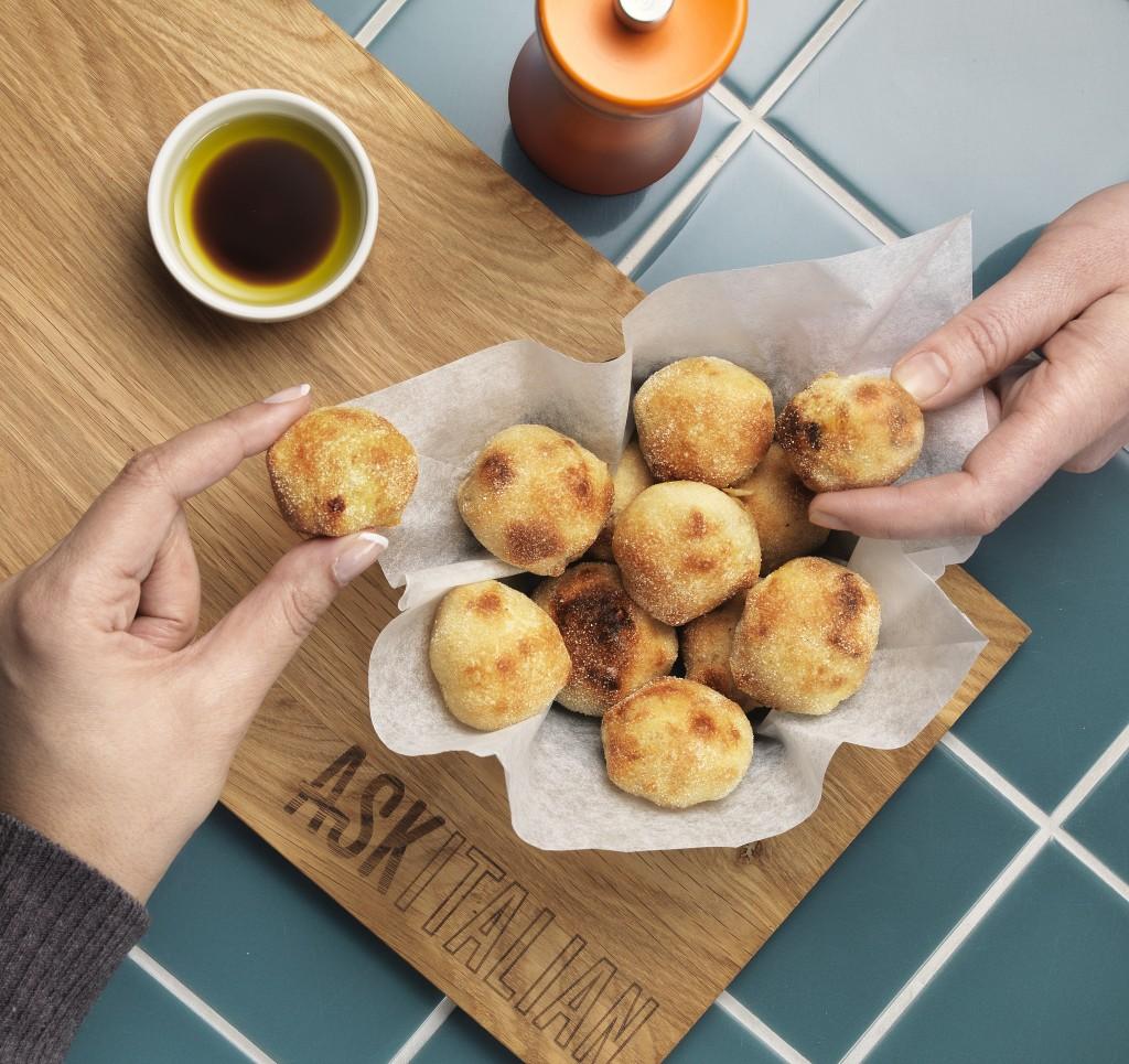 Baked dough balls
