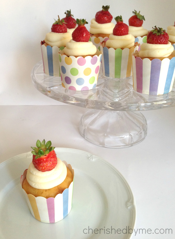strawberry & custard cupcakes 5