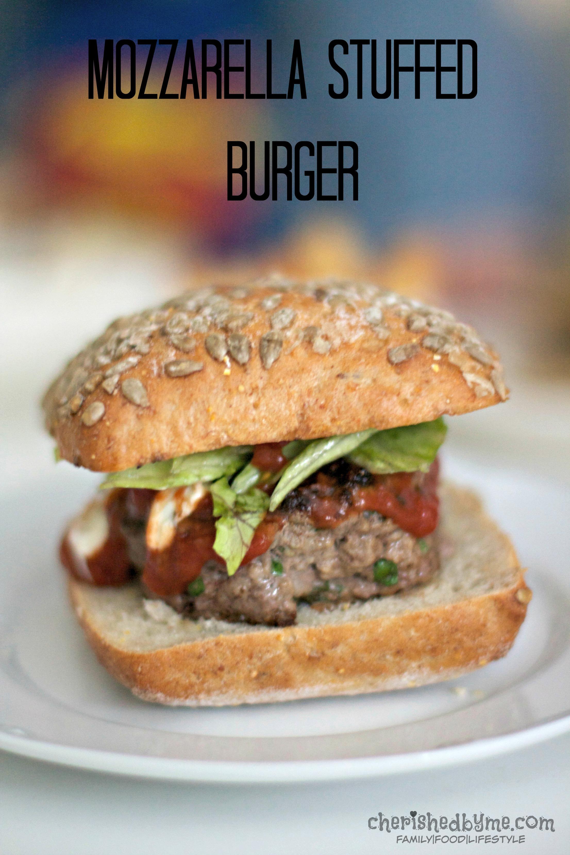 Mmmmm, make this mozarella stuffed burger tonight!