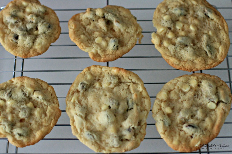 Mmmmm yummy white chocolate chip pistacho cookies, quick & easy to ...